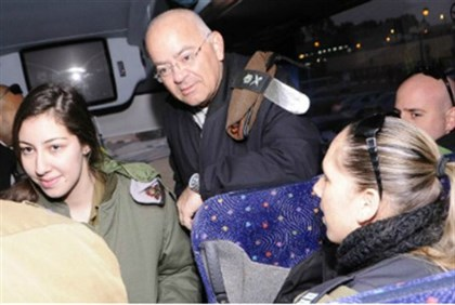 .Maj. Gen. Naveh on bus