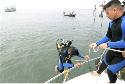 Rescue Divers in Bangladesh