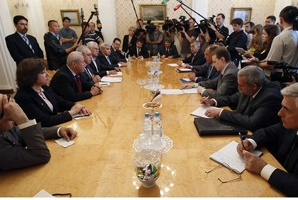 Russian FM Lavror meets with Syrian opposition in Moscow