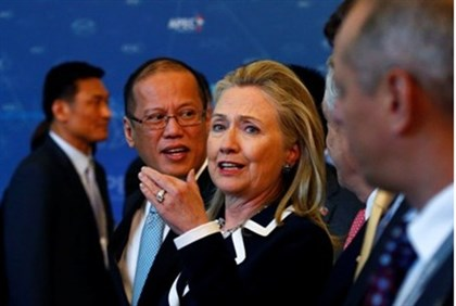 Clinton at Asia-Pacific Economic Cooperation (APEC) Summit in Russia