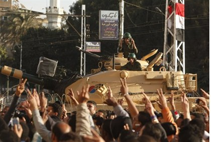 Tanks outside Morsi's palace prevented violent clashes