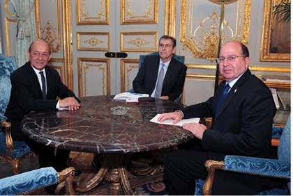 Defense Minister Moshe Yaalon with French ministers