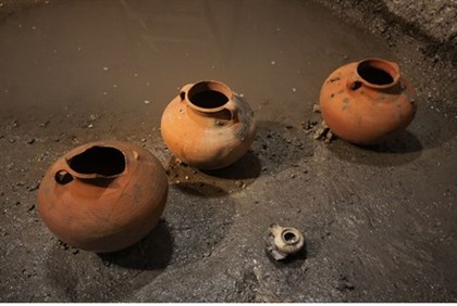 The clay pots found near Robinson's arch