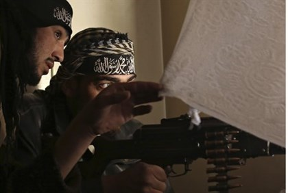 Syrian rebels take aim near Damascus