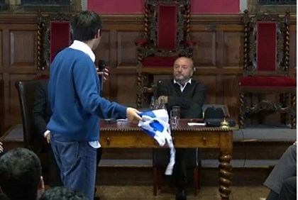 Jonathan Hunter confronting anti-Israel MP George Galloway