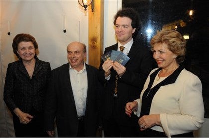 Pianist Evgeny Kissin is awarded Israeli citizenship by Natan Sharansky and Sofa Landver