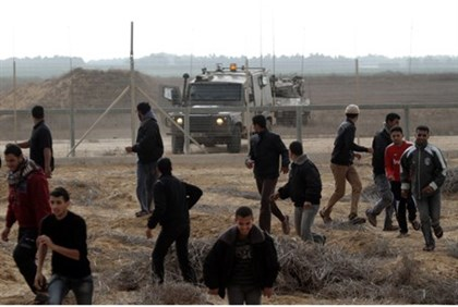 Confrontation at Gaza security fence