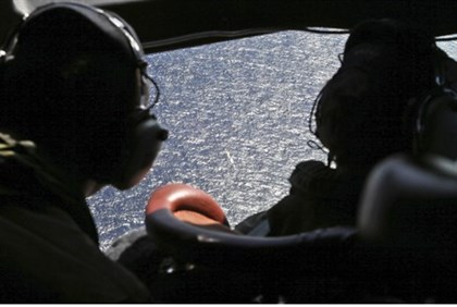 New Zealand plane searches for Malaysian Airlines flight 370