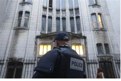 French police officer secures Paris synagogue entrance