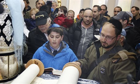Daniel Marks called to the Torah