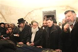 Some 2,000 Jews prayed at Kever Yosef Wednesday