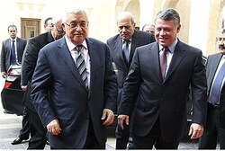 Jordan's King Abdullah and PA Chairman Mahmoud Abbas