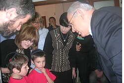 SULAM's children console PM Netanyahu on death of father