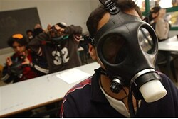 Gas masks in Israeli school drill (file)