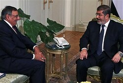 US Defense Secretary Panetta visit Morsi in Cairo July 31