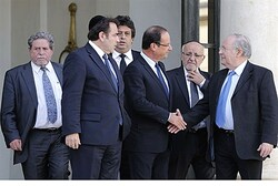 French Pres. Hollande meets with Jewish leaders over terror threat
