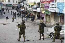 IDF soldiers have strict rules on how to handle rioters