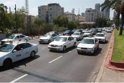 Taxi cabs are protesting in Tel Aviv