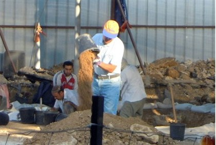 Digging at Be'er Sheva Central Bus Station