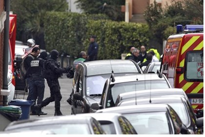 Masked special unit French police on the scene in Toulouse