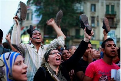 Zionists celebrate successful shoe-snatching operation