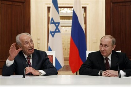Putin and Peres met in Russia to discuss a wide range of diplomatic issues