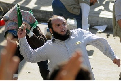 Supporters and opponents of Morsi clash in Alexandria