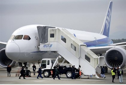 Dreamliner after emergency landing in Japan