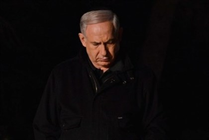 Netanyahu at Yoni's grave.