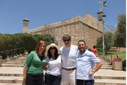 Dr Oz with Rabbi Boteach, outside the Cave of the Patriarchs
