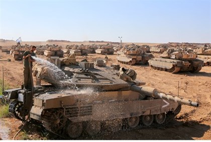 Tanks near Gaza in Protective Edge