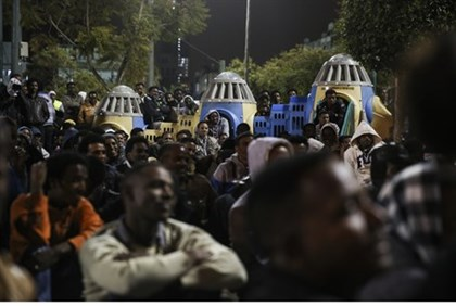Illegal African immigrants in Tel Aviv (file)
