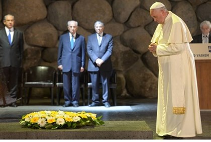 Pope Says Christians in Iraq Suffering 'Just Like the Jews'