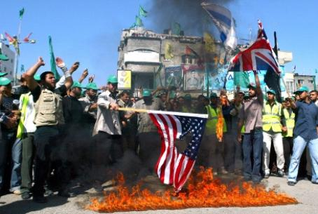 Hamas rally--PA boycott may lead to violence