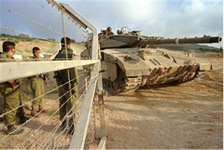 Israel troops on Lebanese border