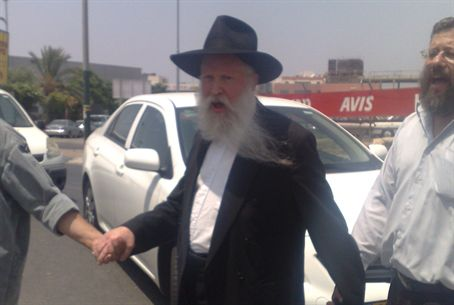 Rabbi Yitzhak Ginsburg after poli