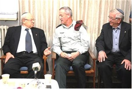 Chief of Staff Gantz with Holocaust survivors