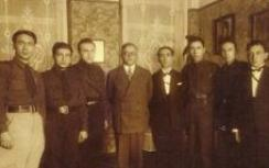 Jabotinsky, 2nd from right, w/ Betar leaders