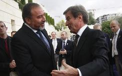 FM Lieberman (l) and French FM Kouchner