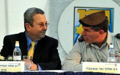 Barak and IDF Chief of Staff Ashkenazi