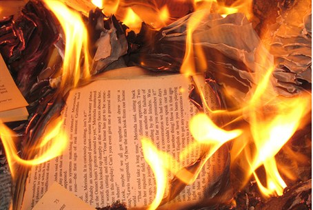 Arsonists destroy Jewish books