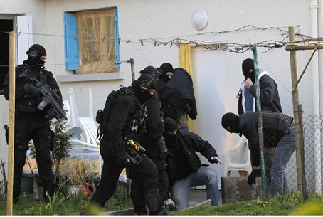 French Police Begin Crackdown on Islamists
