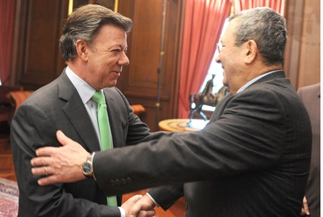 Barak and Colombian president Santos