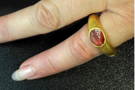 1880-year-old ring.