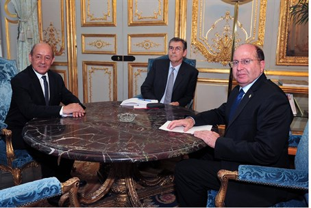 Defense Minister Moshe Yaalon with French min