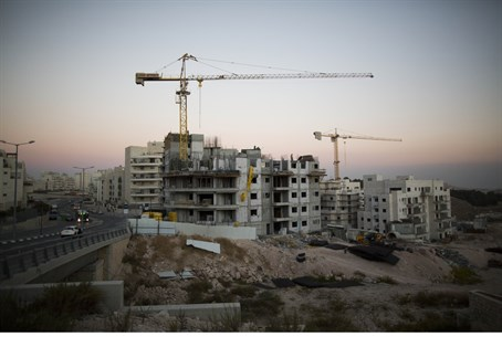 Construction in Jerusalem's Har Homa (file)