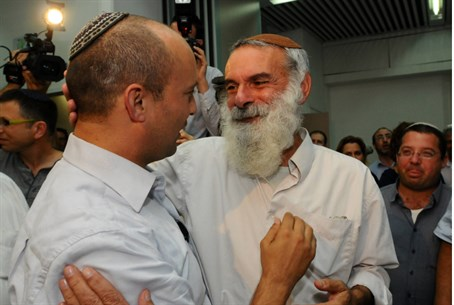 Rabbi Ronsky with Naftali Bennett