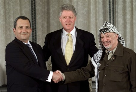 Clinton with Barak and Arafat (archive)