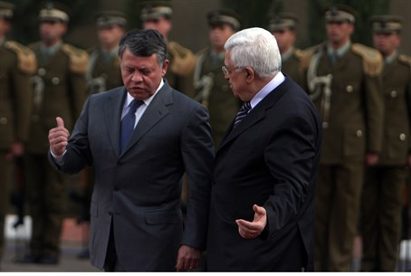 Jordan's King Abdullah and Mahmoud Abbas