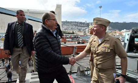 Moshe Ya'alon on the USS Carney